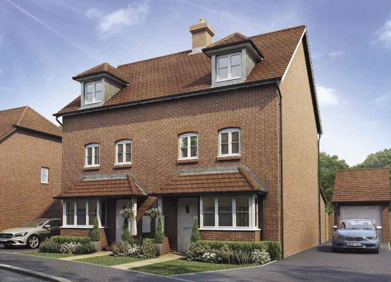4 Bedrooms Semi Detached House for sale in Bishop Park, Henfield