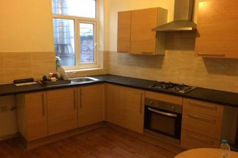 5 bedroom terraced house to rent - Stockport Road,  Manchester, M19
