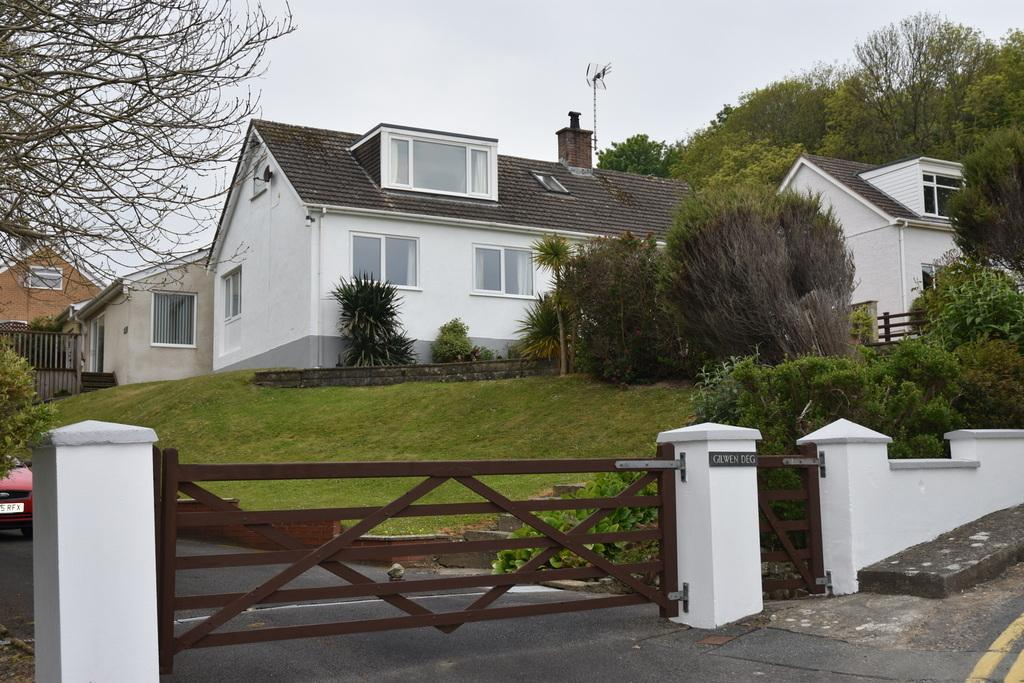 5 Bedrooms Detached House for sale in Gilwendeg, Aberporth, Ceredigion