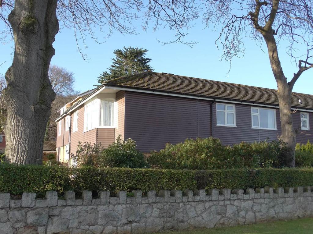 2 Bedrooms Flat for sale in 10 Woodlea Gardens Ebberston Road West, Rhos on Sea, LL28 4AP