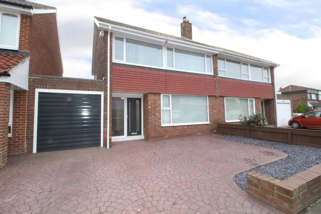 3 Bedrooms Semi Detached House for sale in Sidlaw Avenue, Preston Grange, North Shields