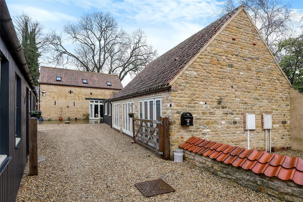 5 Bedrooms Detached Bungalow for sale in High Street, Heighington, LN4