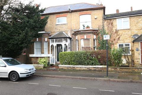 Studio to rent - Glenhurst Road, Brentford
