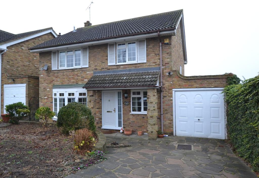 4 Bedrooms Detached House for sale in Chestwood Close, Billericay, Essex, CM12