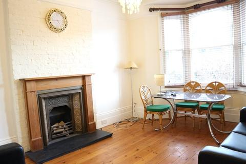 2 bedroom flat to rent - Glenhurst Road, Brentford
