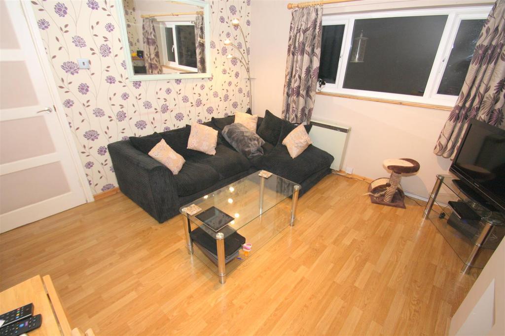1 Bedroom Maisonette Flat for sale in Grange Close, Leybourne, West Malling