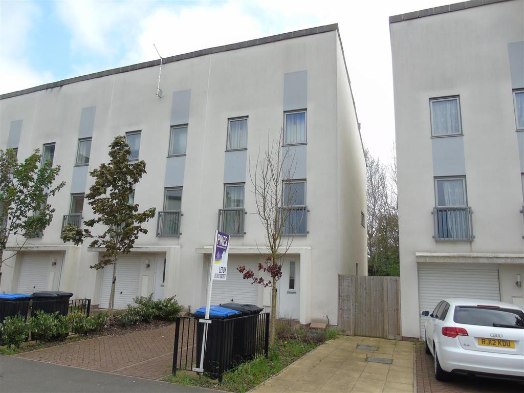 4 Bedrooms Town House for rent in Aviation Avenue, Hatfield