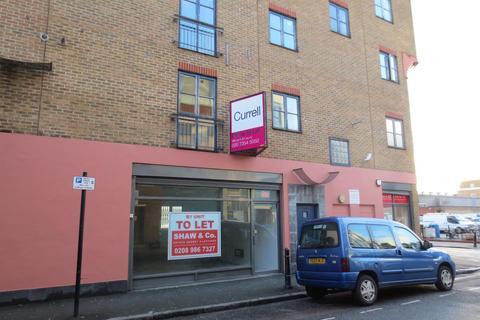 Shop to rent - Bentley Road, Hackney