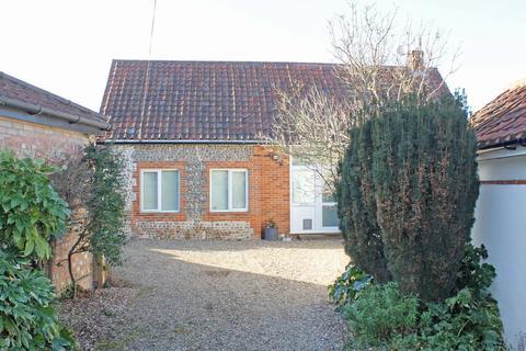 2 bedroom barn for sale - The Street, Kelling NR25