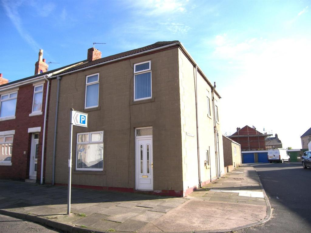 3 Bedrooms End Of Terrace House for sale in Robinson Square, Newbiggin-By-The-Sea