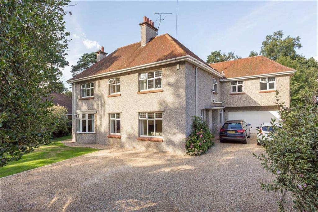 5 Bedrooms Detached House for sale in Upper Golf Links Road, Broadstone, Dorset