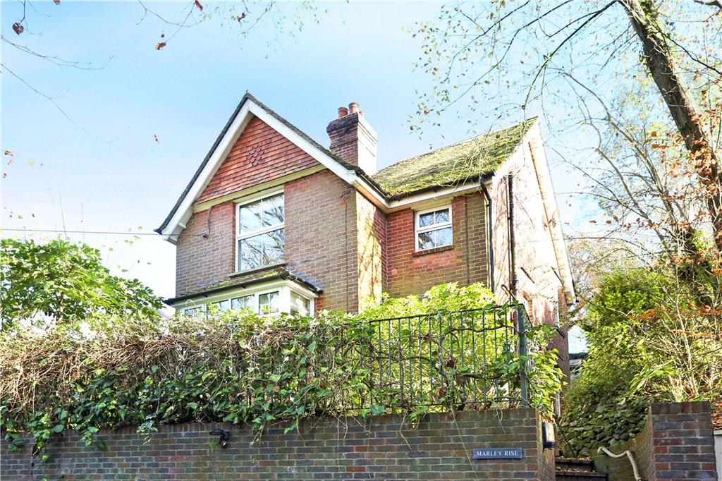 3 Bedrooms Detached House for sale in Marley Lane, Haslemere, Surrey, GU27