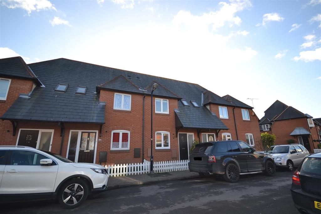 2 Bedrooms Terraced House for sale in Coronation Road, Burnham-on-crouch