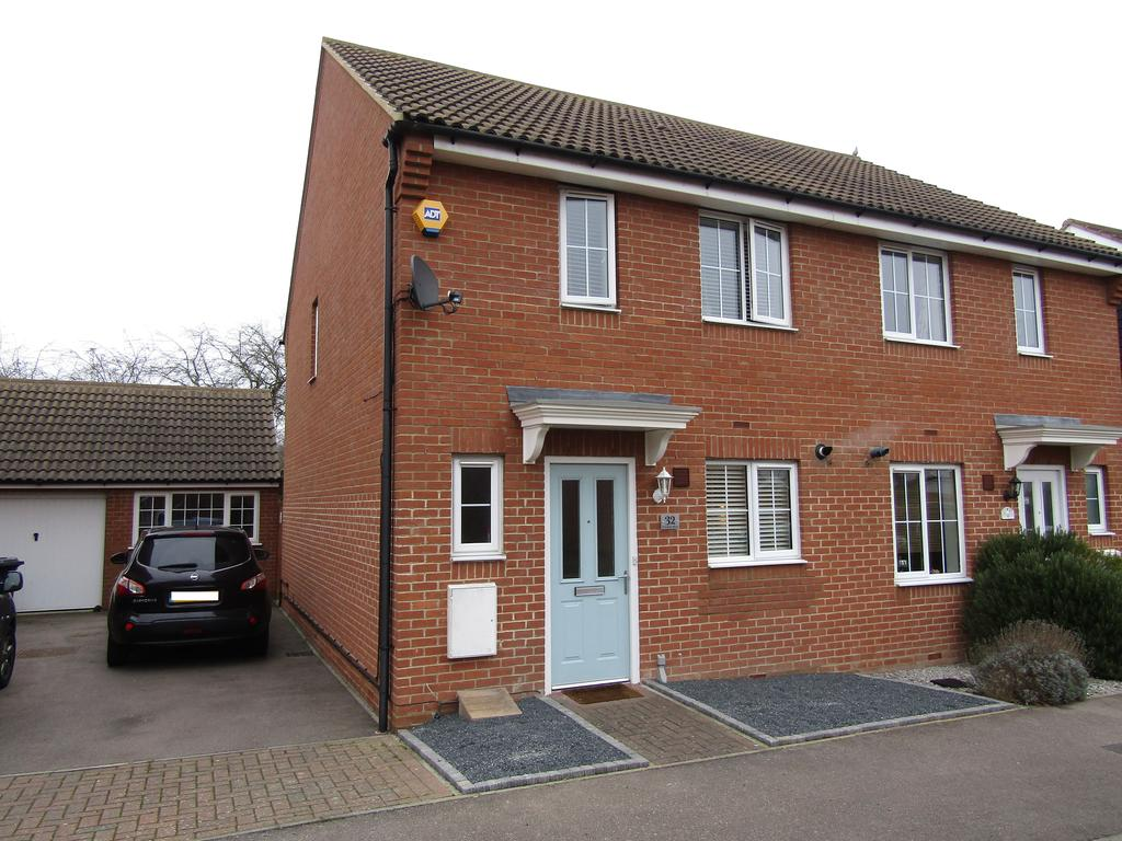3 Bedrooms Semi Detached House for sale in St Johns Road, Arlesey SG15