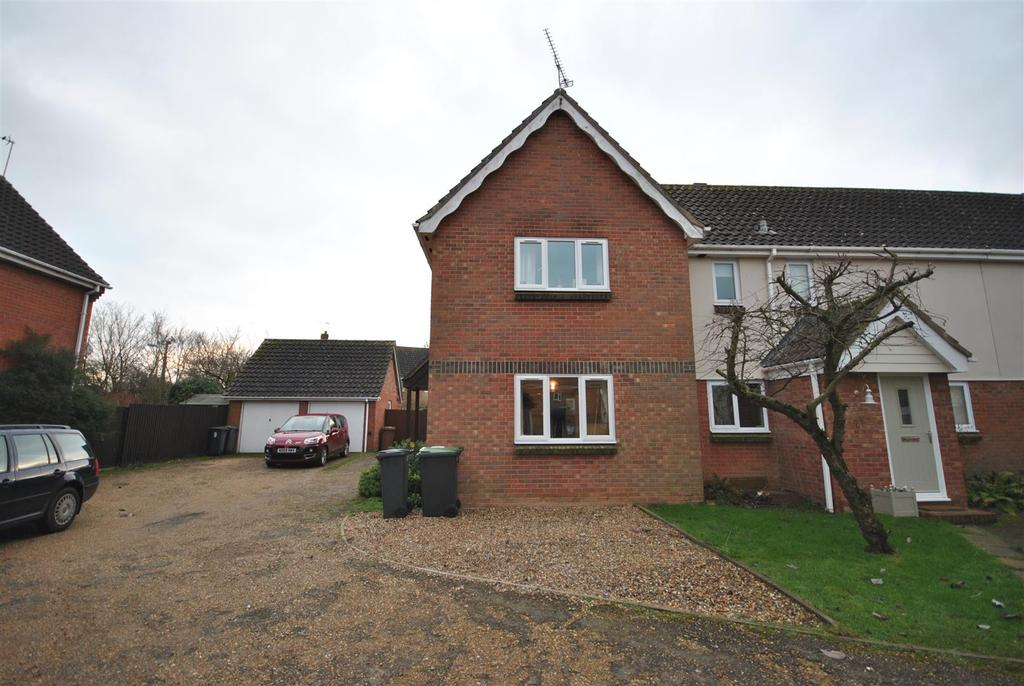 2 Bedrooms House for rent in Cloverfields, Thurston, Bury St. Edmunds