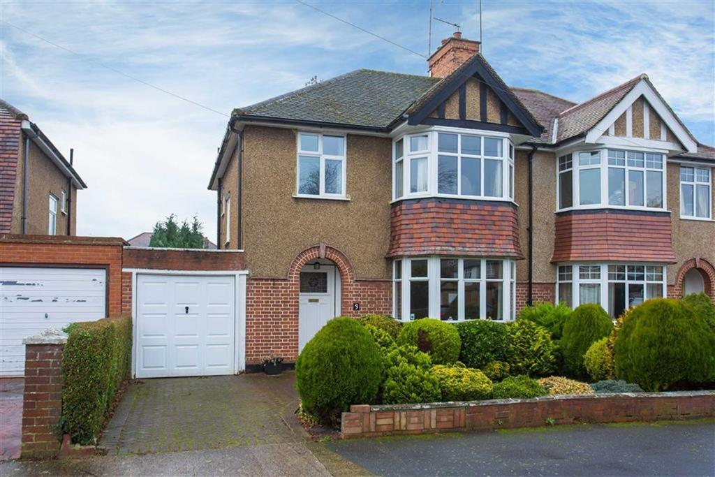 3 Bedrooms Semi Detached House for sale in Crescent Gardens, Eastcote