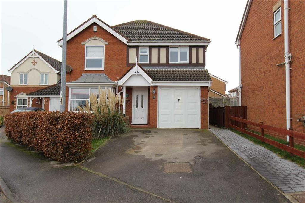 4 Bedrooms Detached House for sale in Aysgarth Rise, Bridlington, YO16
