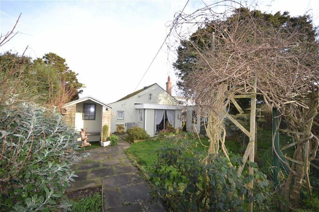 3 Bedrooms Bungalow for sale in Daniell Road, Truro, Cornwall, TR1