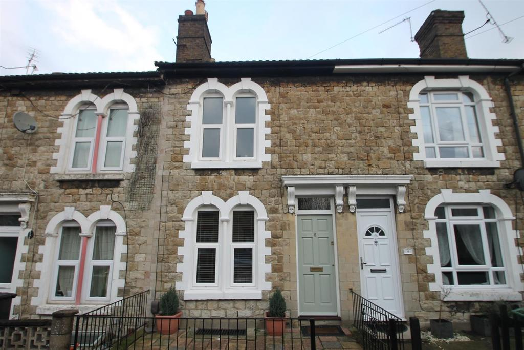2 Bedrooms Terraced House for sale in Waterlow Road, Maidstone