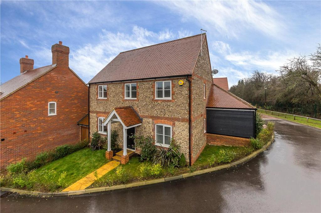 4 Bedrooms Detached House for sale in Humbers Hoe, Markyate, St. Albans, Hertfordshire