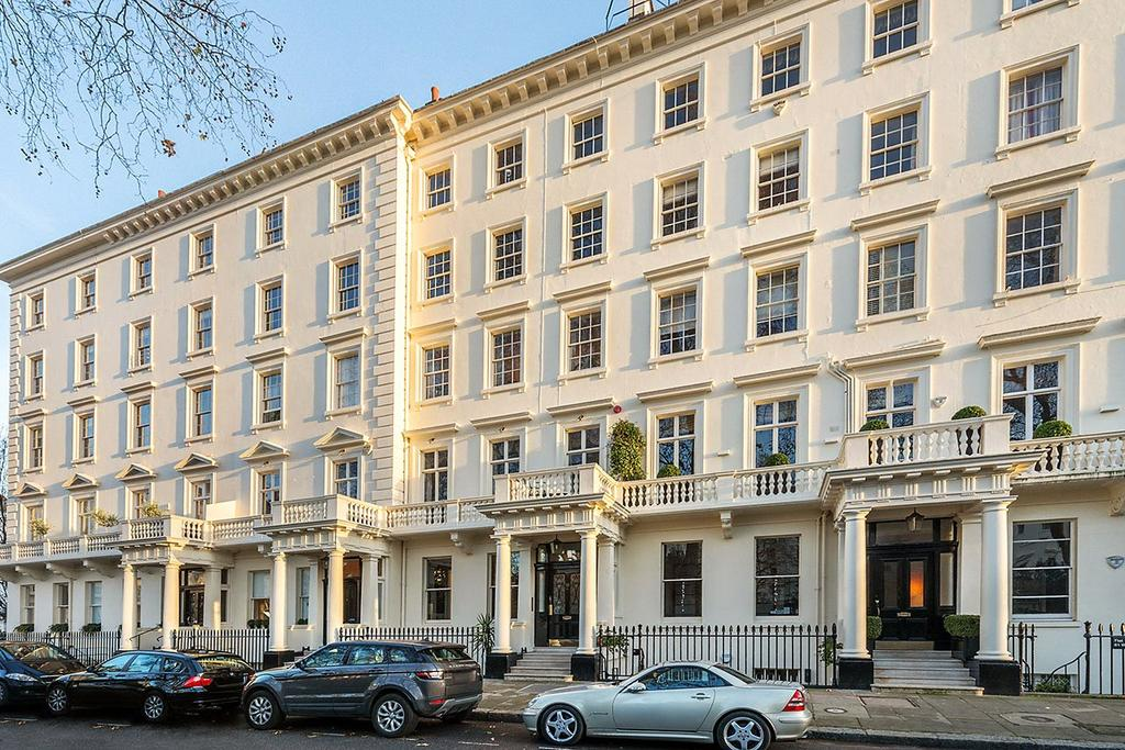 3 Bedrooms Apartment Flat for sale in Warwick Square, London, SW1V