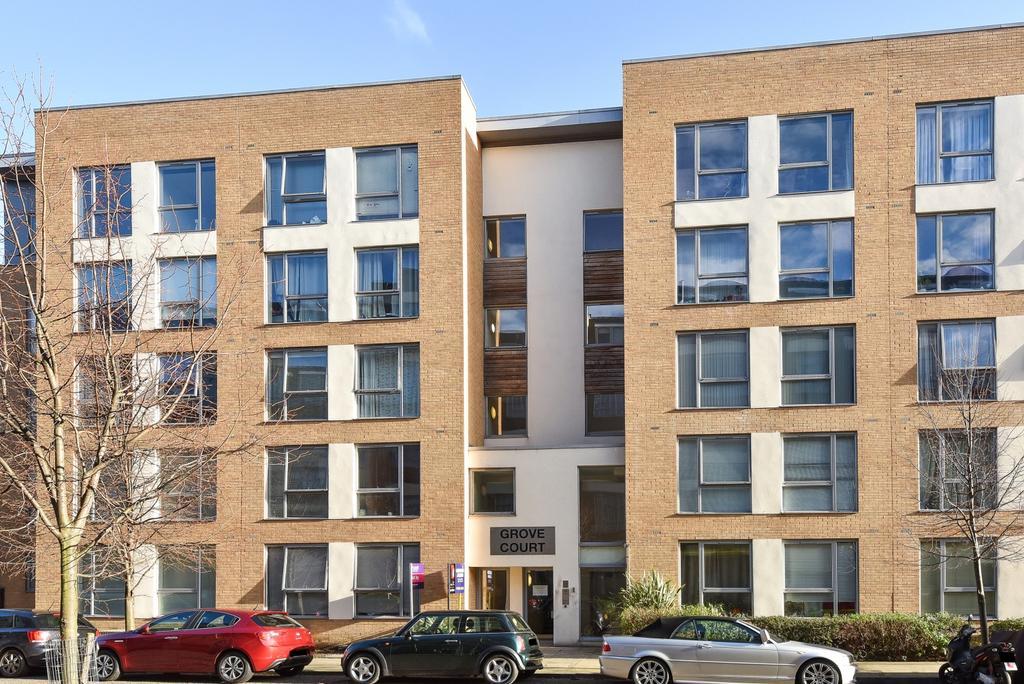 1 Bedroom Flat for sale in Peckham Grove London SE15