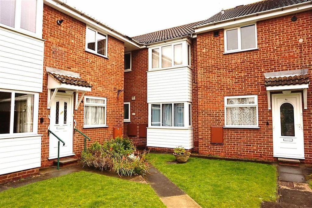 3 Bedrooms Apartment Flat for sale in Hourne Court, Hessle, Hessle, HU13