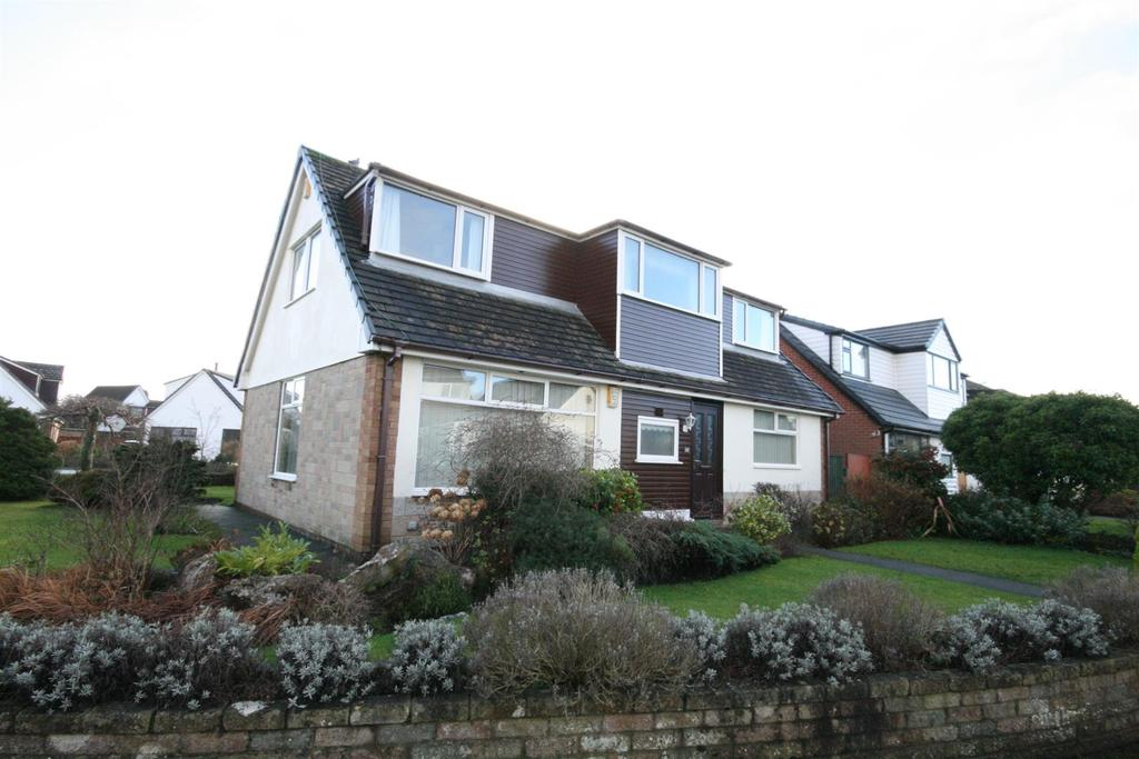 4 Bedrooms Detached House for sale in South Holme, Lytham