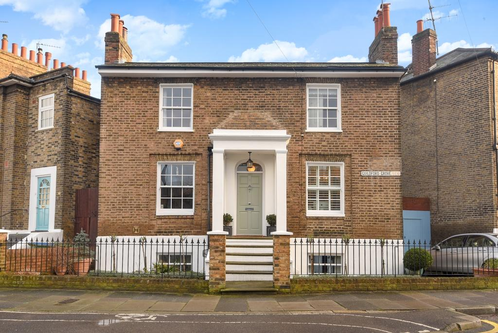 3 Bedrooms Detached House for sale in Guildford Grove London SE10