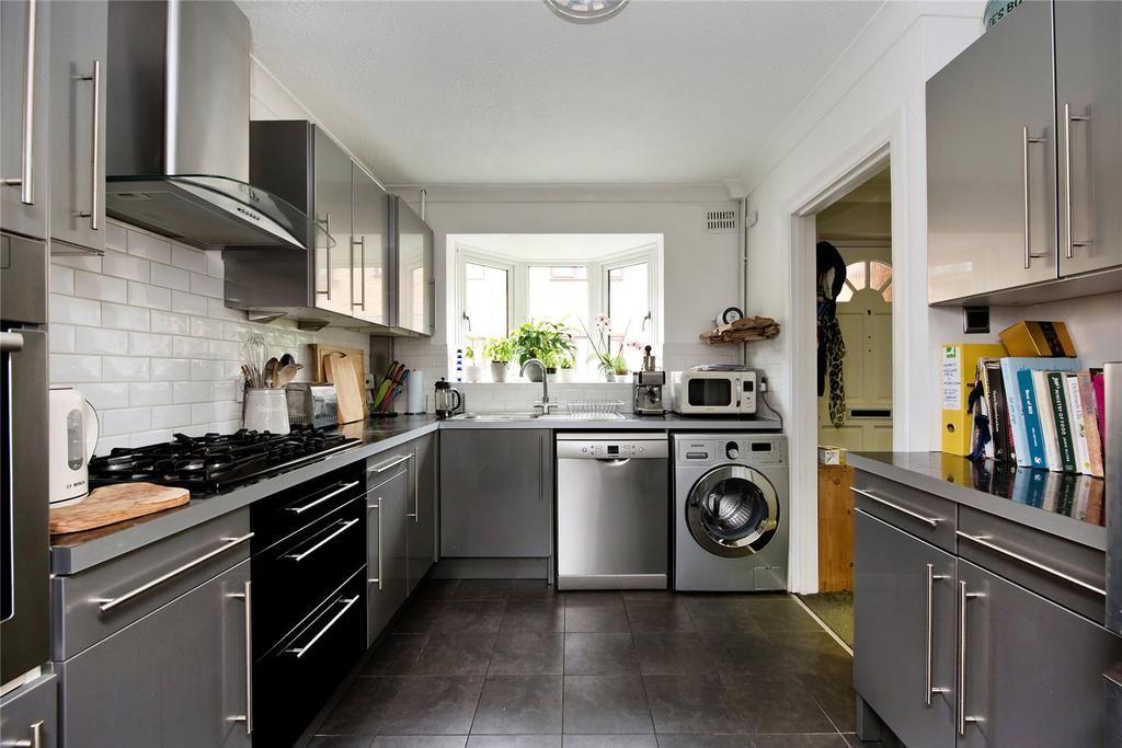 3 Bedrooms Semi Detached House for sale in Wellington Mews, East Dulwich, SE22