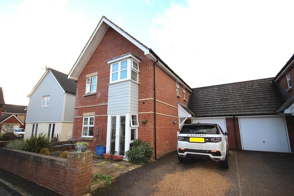 4 Bedrooms Detached House for sale in Hann Garden, Lytchett Matravers, Poole