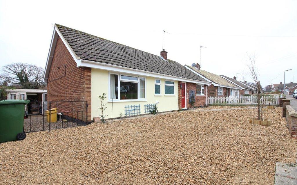 3 Bedrooms Detached Bungalow for sale in Royston Green, North Walsham