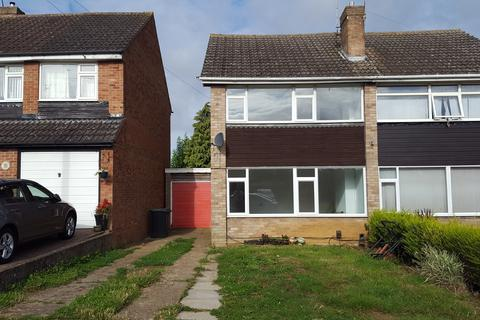 3 bedroom semi-detached house to rent - Orchard Road, Raunds NN9