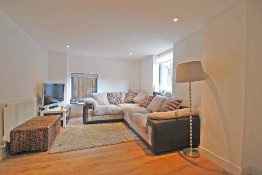 2 Bedrooms Apartment Flat for sale in Oak Lane, Twickenham, TW1