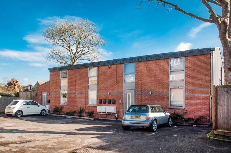 2 Bedrooms Flat for sale in Oak Lane, Twickenham, TW1