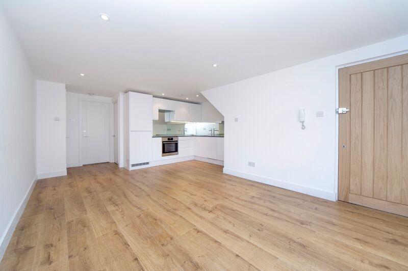 1 Bedroom Apartment Flat for sale in Oak Lane, Twickenham, TW1