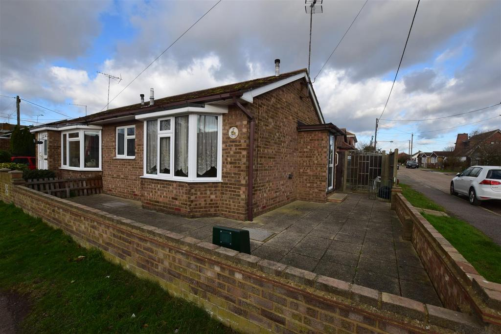 1 Bedroom Semi Detached Bungalow for sale in Holbek Road, Canvey Island