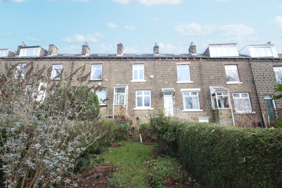 3 Bedrooms Terraced House for sale in CROWNEST ROAD, BINGLEY, BD16 4HQ