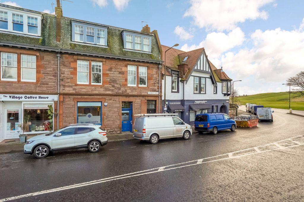 2 Bedrooms Flat for sale in 12A Rosebery Place, Gullane, East Lothian, EH31 2AN