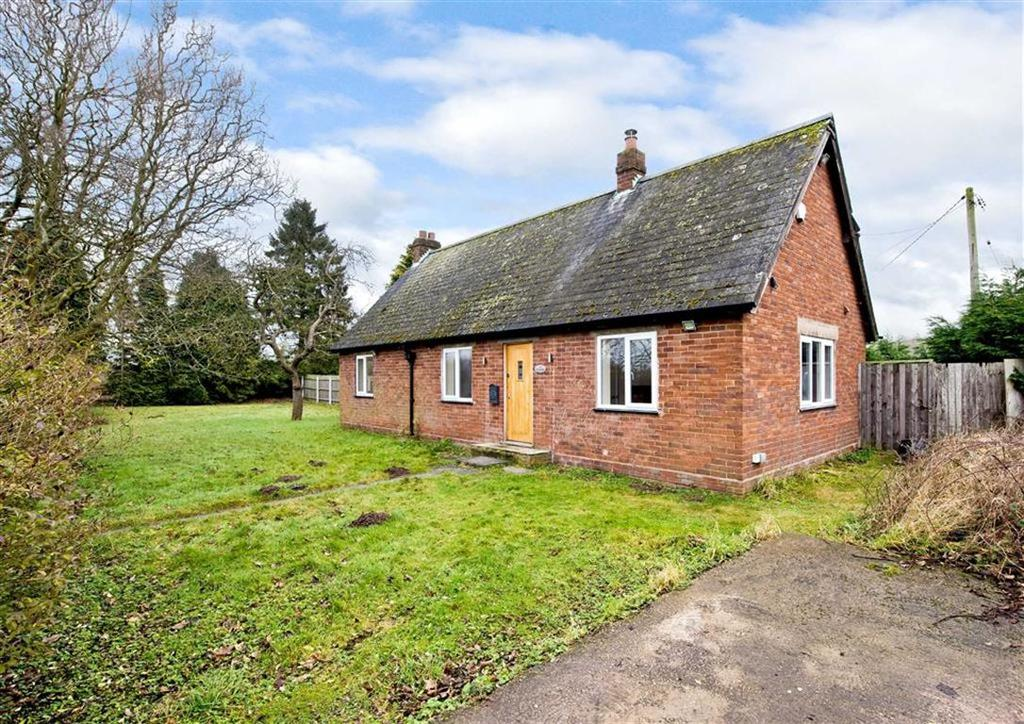 2 Bedrooms Detached Bungalow for sale in 2 Parkside Bungalows, Holyhead Road, Boningale, Albrighton, Shropshire, WV7