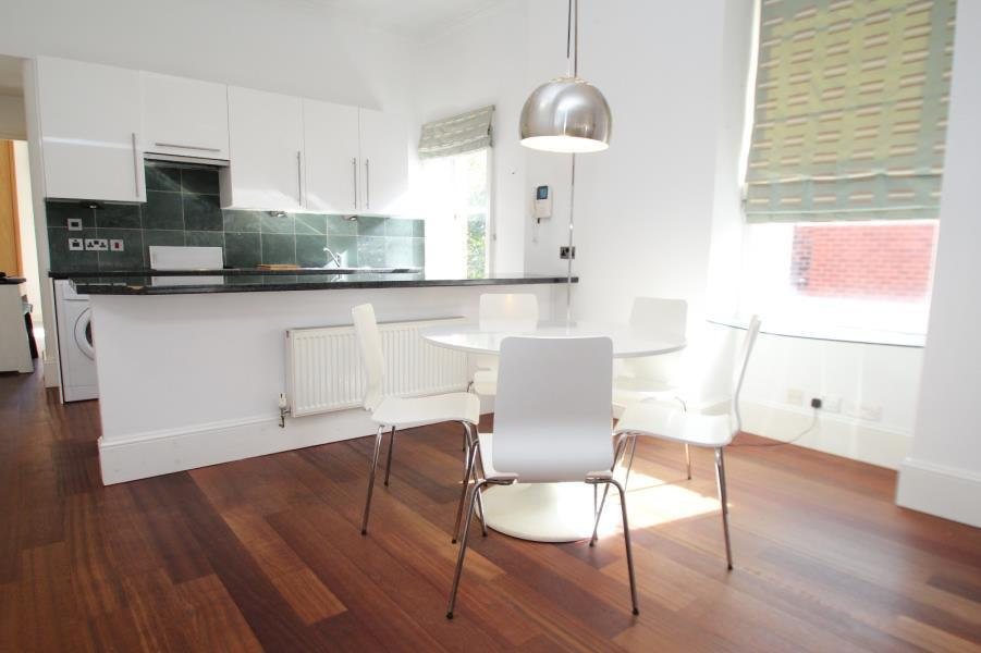 2 Bedrooms Apartment Flat for rent in ALLERTON LODGE, ALLERTON HILL, CHAPEL ALLERTON, LEEDS, LS7 3QB
