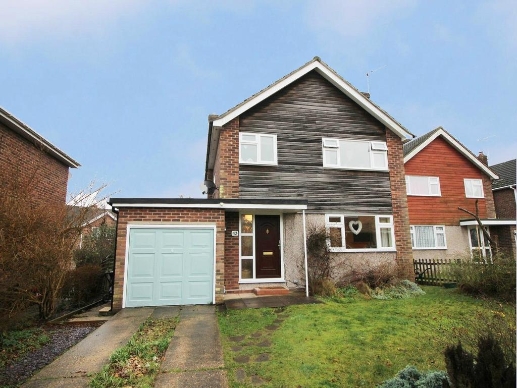 3 Bedrooms Detached House for sale in Wordsworth Road, Colchester, CO3