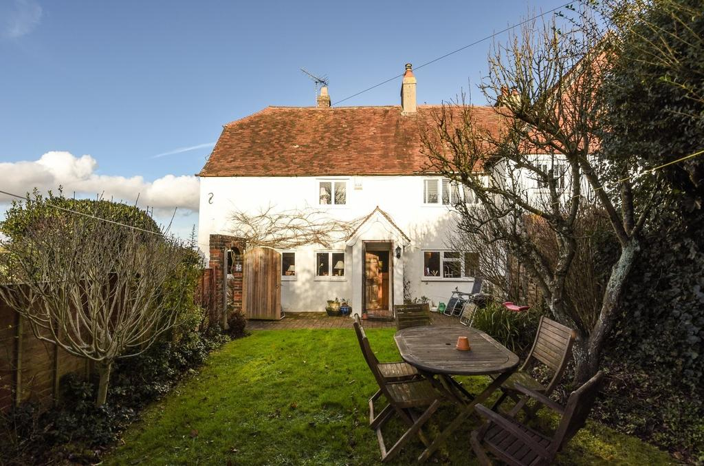 3 Bedrooms Semi Detached House for sale in Laburnum Cottages, Main Road, Yapton, BN18
