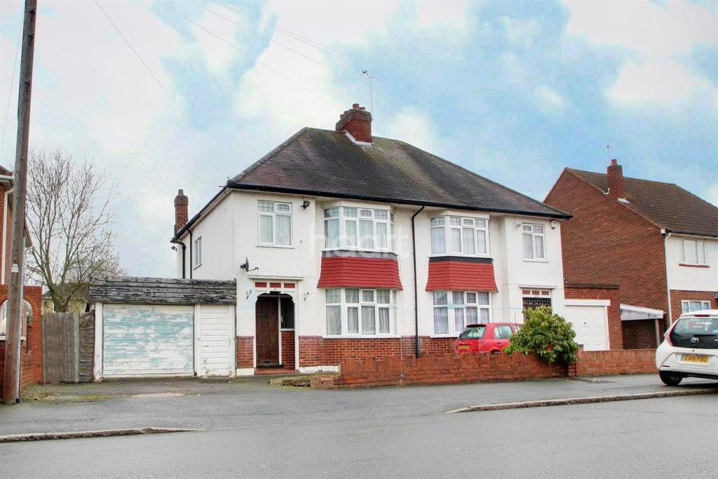 3 Bedrooms Semi Detached House for sale in Marlborough Road