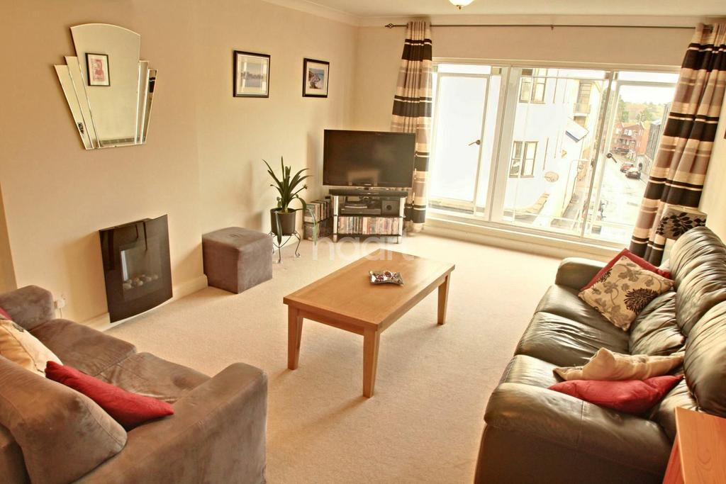 2 Bedrooms Flat for sale in Fore Street