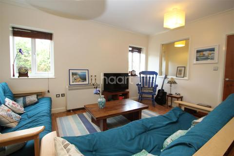 1 bedroom flat to rent - Andover Street close to the station