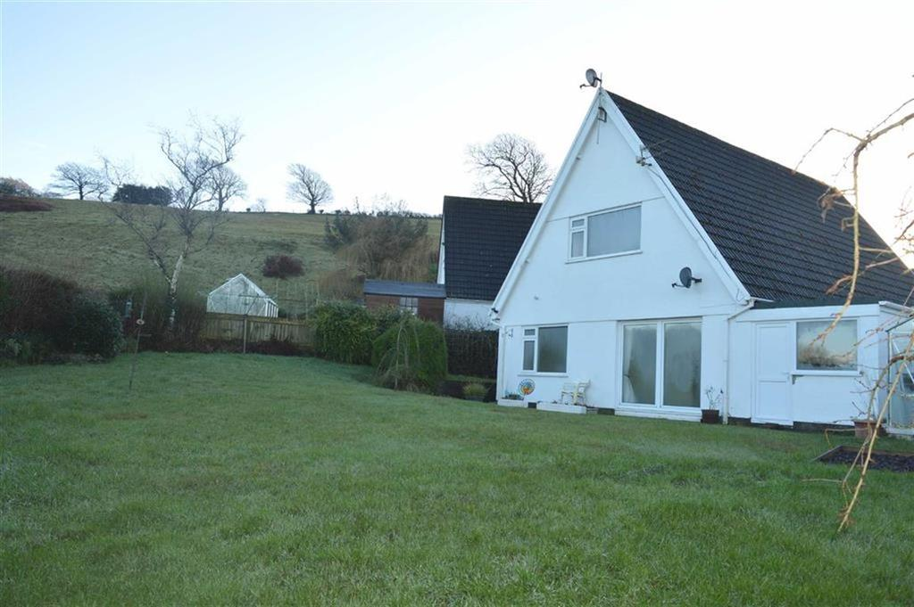 4 Bedrooms Detached House for sale in Pen Y Morfa, Penclawdd, Swansea