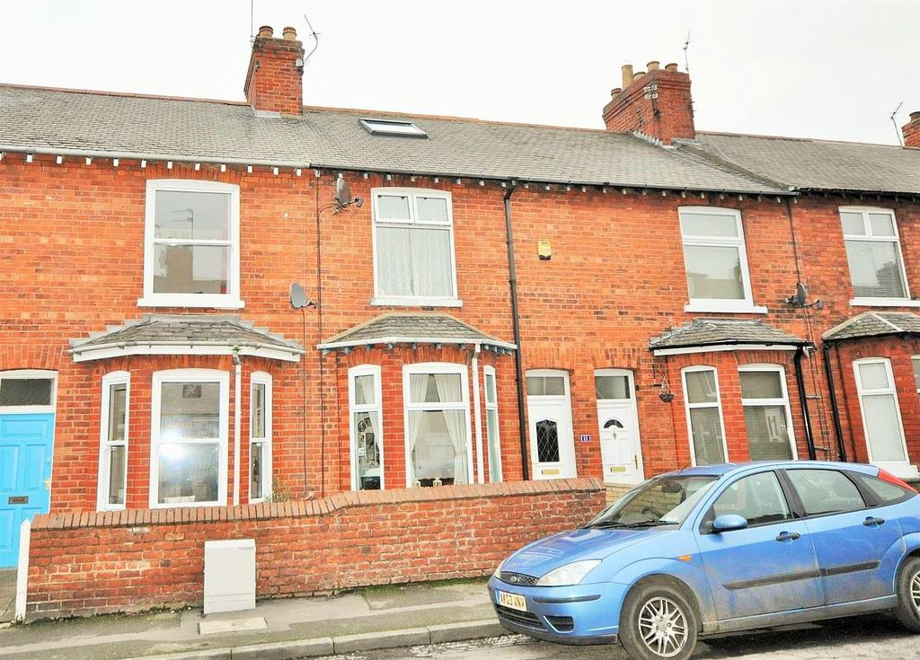 3 Bedrooms Terraced House for sale in Balmoral Terrace, Bishopthorpe Road, York, YO23 1HR