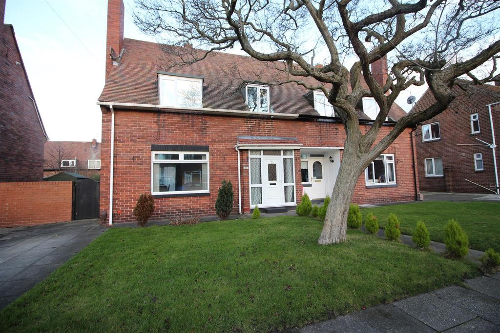 3 Bedrooms Semi Detached House for sale in Appletree Gardens, Whitley Bay