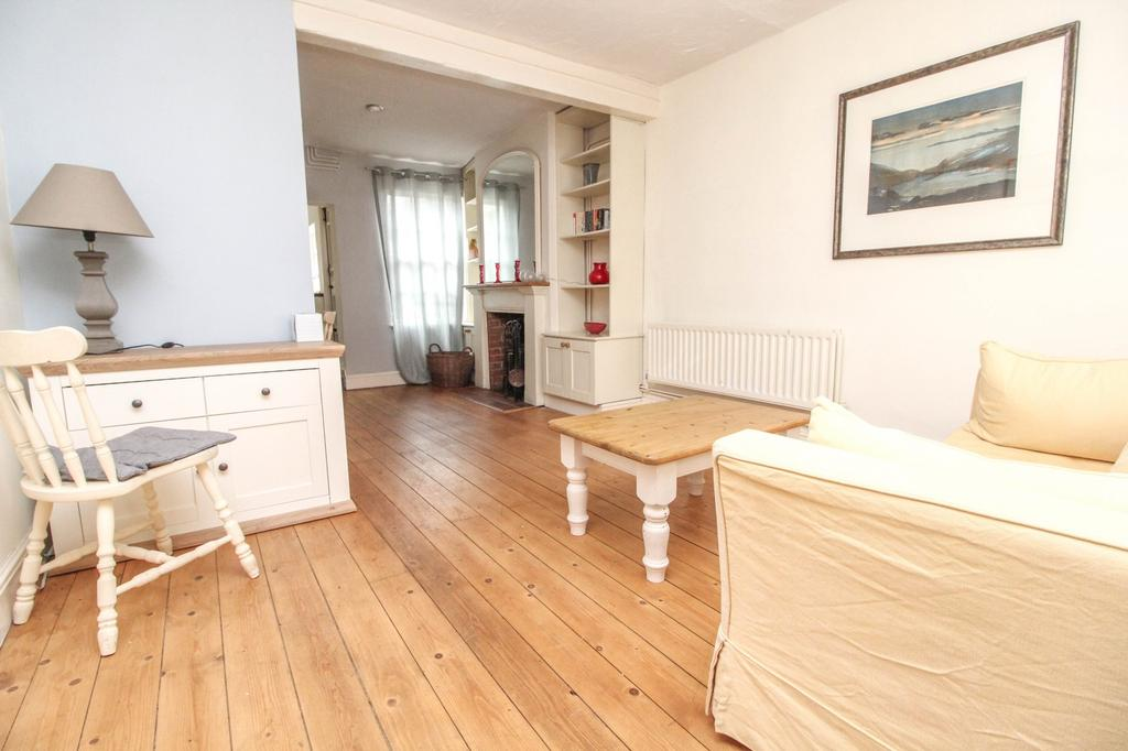 2 Bedrooms Cottage House for sale in Ongar Road, Brentwood, Essex, CM15